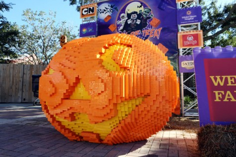 This ghoulish jack-o-lantern sure catches your eye.