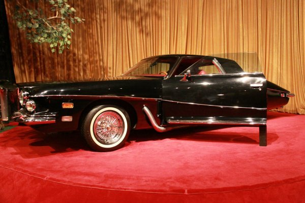 A nice picture of a Stutz Blackhawk, one of my favorite cars. (http://imgarcade.com/1973-stutz-blackhawk.html)