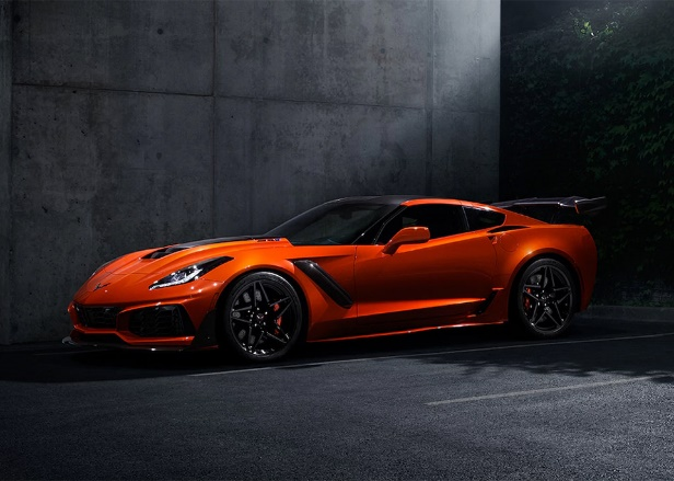 The+ZR1+looks+stunning+in+its+Sebring+Orange+Design+Package.