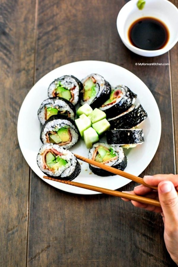 Rolling in sushi