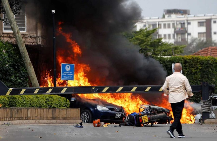 Cars+burning+at+a+Nairobi+resort