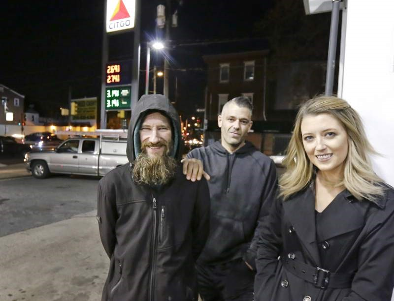 Kate+McClure+and+Mark+D%27Amico%2C+and+the+homeless+man%2C+Johnny+Bobbitt+Jr+pictured.+