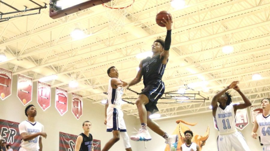 Dionte+Blanch+takes+flight.