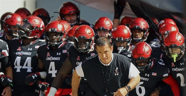 The 9-0 Cincinnati Bearcats dropped in rank this week, despite not even playing.